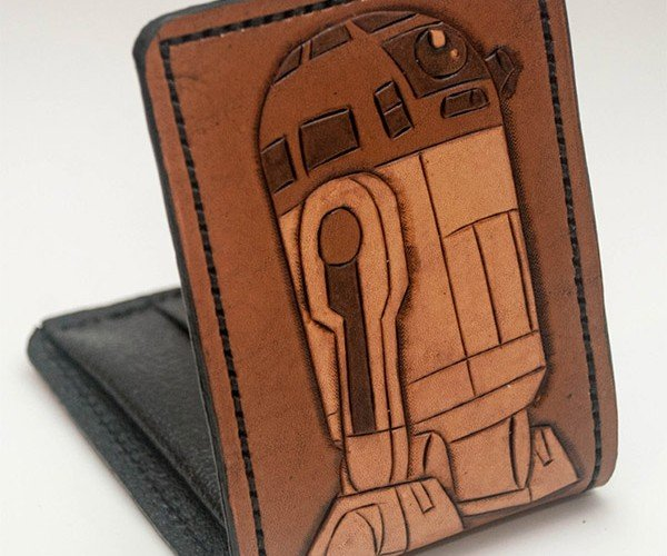 R2-D2 Leather Wallet Holds the Debit Cards You Were Looking for