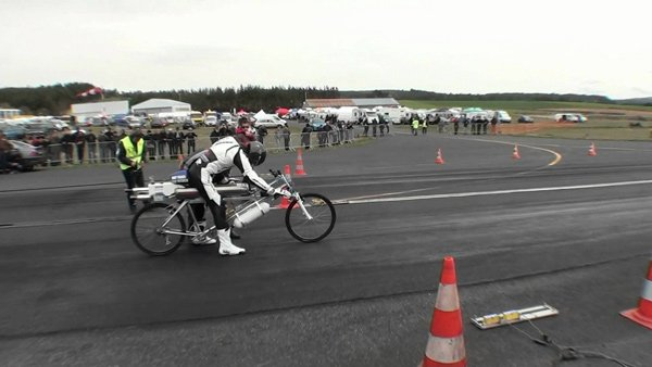 rocket powered bicycle francois gissy ready