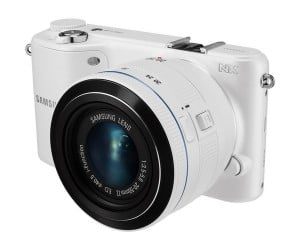 Samsung NX2000 Digital Camera Takes Aim at Mid-Size APS-C Market