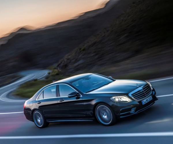 Mercedes S-Class Is the First Car without any Incandescent Light Bulbs
