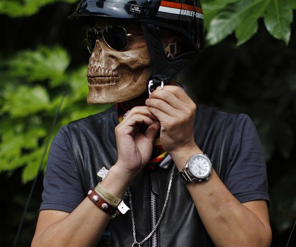 Skull-faced Biker Helmet Turns You into Ghost Rider