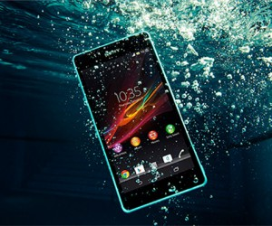 Sony Unveils Waterproof Xperia ZR Smartphone: Shoots HD Video Underwater