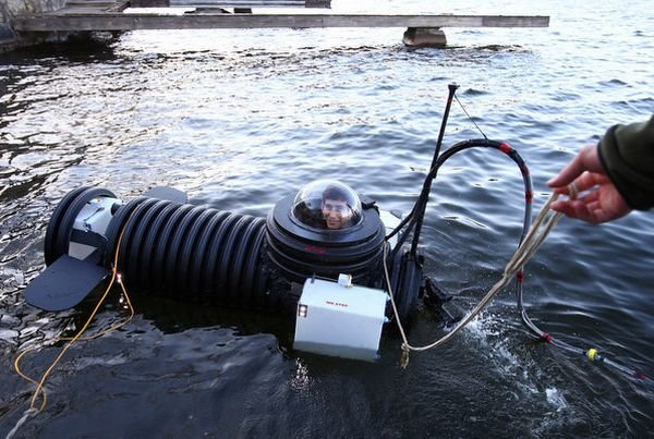 High School Student Builds Own Submarine