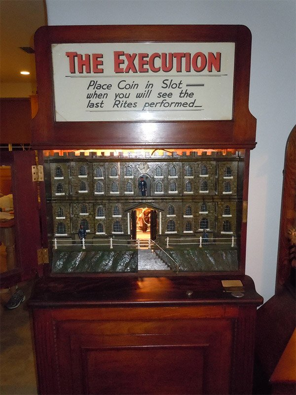 the execution arcade machine