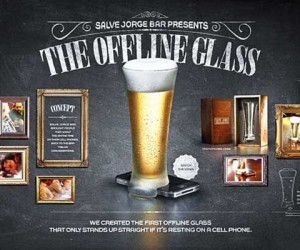 'Offline Glass' Encourages You to Get of Your Phone and Mingle – in Real Life