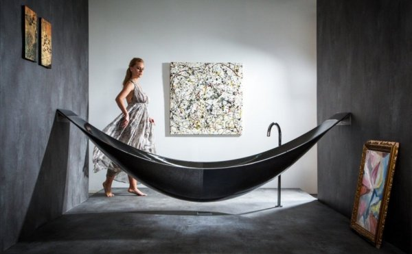 Carbon Fiber Hammock Bathtub: Relax in Black
