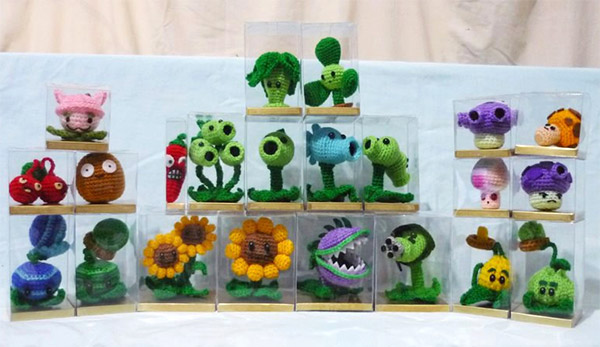 Amigurumi Plants vs. Zombies: The Crocheting Dead
