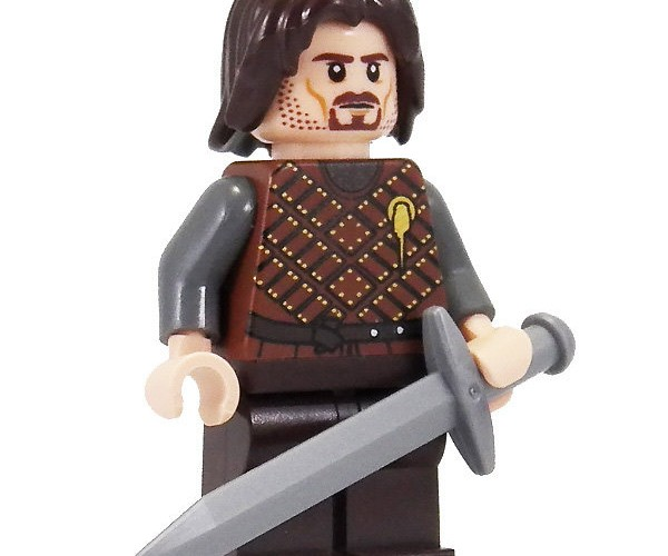 LEGO Game of Thrones Minifigs: Does Ned's Head Pop off?