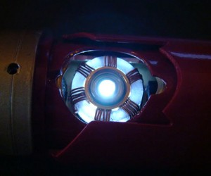 iron-man-lightsaber-by-eastern57-6