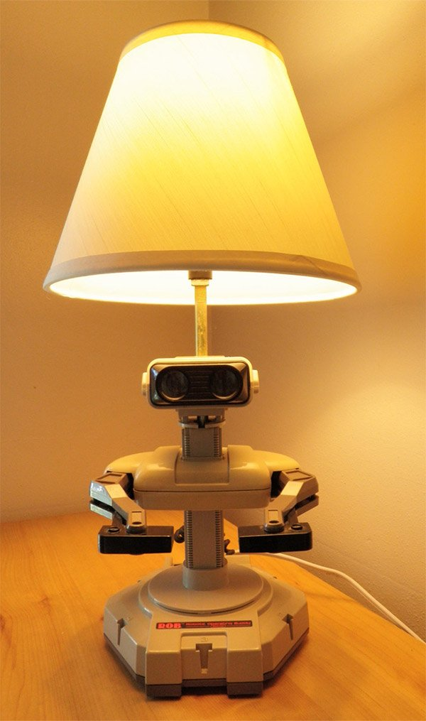 nes_rob_lamp_1