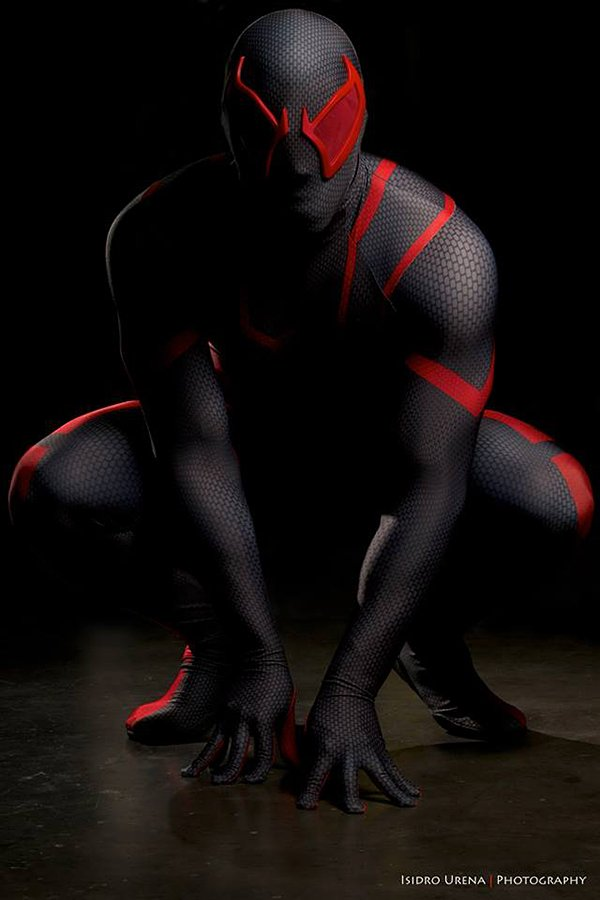 spider-man-costume-by-ryan-turney-image-by-isidro-urena-2