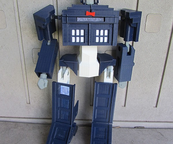 tardis-prime-transformer-toy-by-andrew-lindsey-2