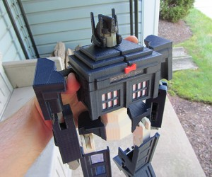 TARDIS Prime Transformer Toy: Phone Booth in Disguise
