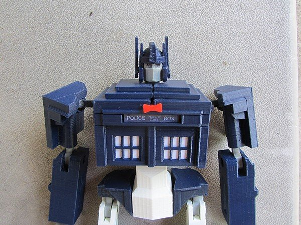 tardis-prime-transformer-toy-by-andrew-lindsey-4