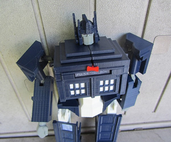 tardis-prime-transformer-toy-by-andrew-lindsey-5