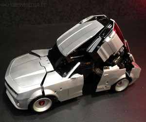 transforming robot remote controlled car by takara tomy 3 300x250