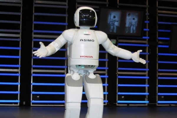 Asimo Gets Confused, Makes Robots Look Bad