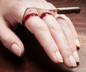 Keep Your Digits on with This Cleaver Ring