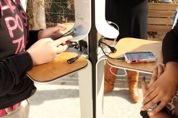 Street Charge solar charging stations1