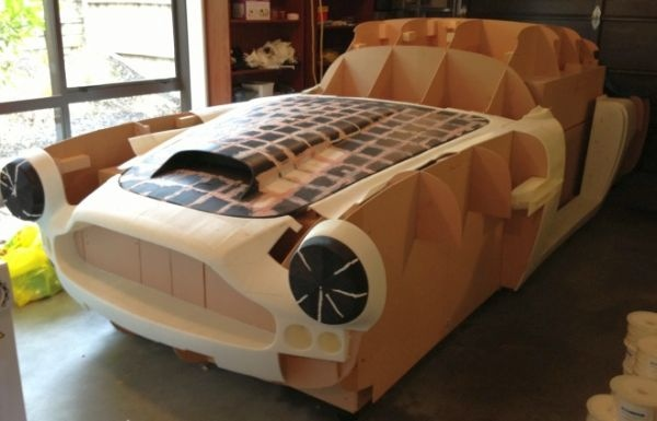 Guy Building 3D-Printed Aston Martin DB4 Replica