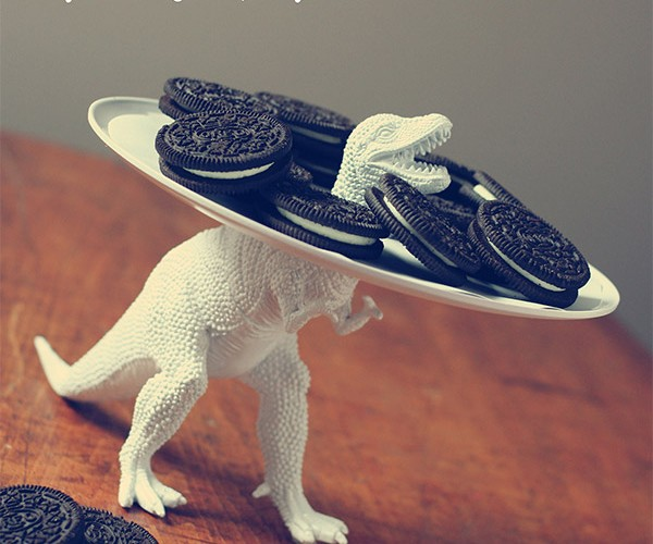 Dinosaur Serving Dish: Even If He Had Longer Arms, It Wouldn't Help