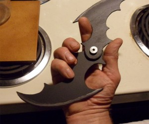 How to Make Your Own Batman Folding Batarang