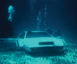james bond lotus esprit submarine car 2 300x250