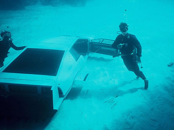 Can You Open A Car Window Underwater