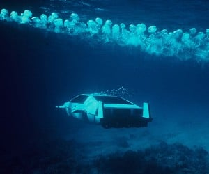 james bond lotus esprit submarine car 4 300x250