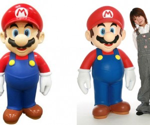 Life-sized Mario Statue: Will It Shrink if You Hit It?