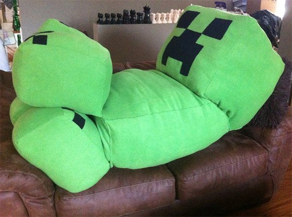 'Life-Size' Minecraft Creeper Cushion Won't Blow up Your Living Room