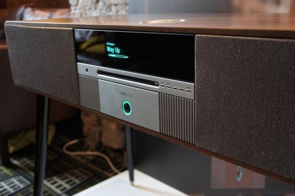 ruark audio r7 console speaker close photo