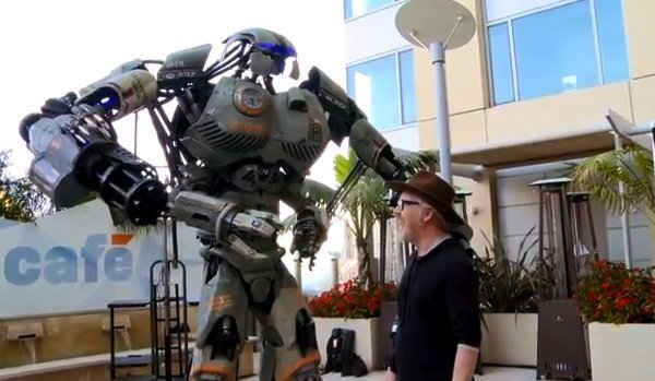 9 Foot-Tall Killer Robot Unveiled at SDCC