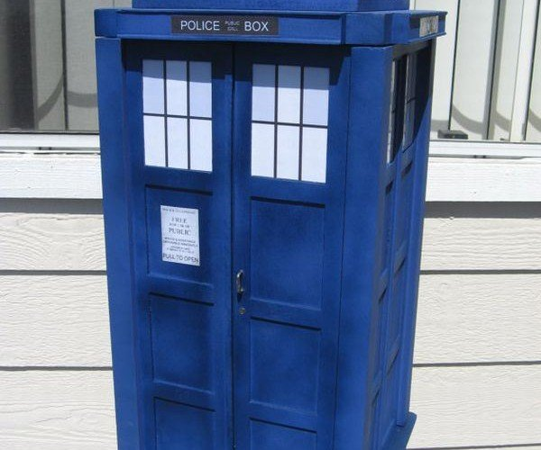 TARDIS Storage Box Might Send Your Possessions to Another Dimension