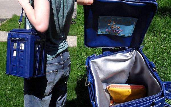 tardis_backpack_2