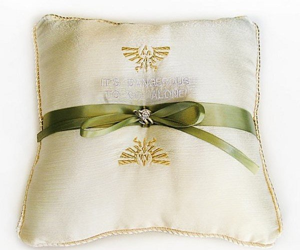 Legend of Zelda Ring Bearer Pillow: Link up in Style