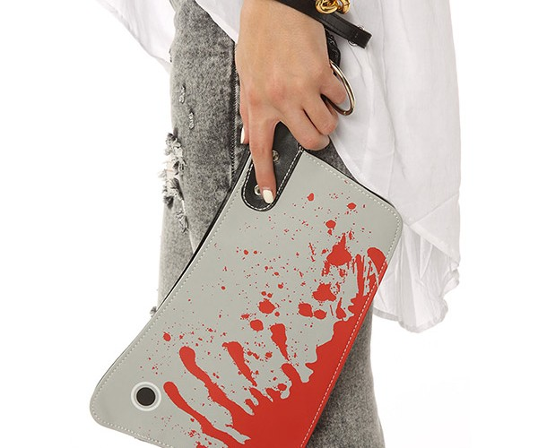Cleaver Clutch Scares Muggers Away Before they Can Steal Your Purse