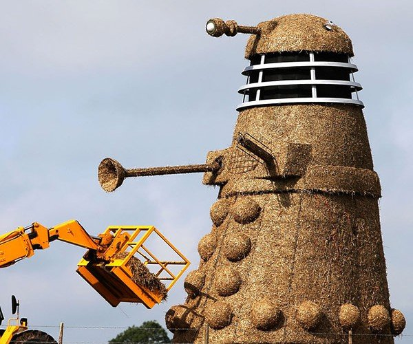 35-Foot-Tall Dalek Made from Straw