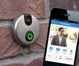 iDoorCam Lets You Check Who's at the Door, Even When You're Not Home