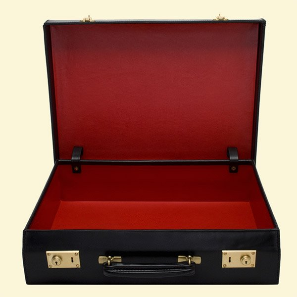 james_bond_briefcase_2