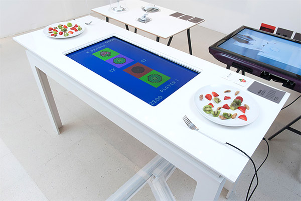 pixelate dining table