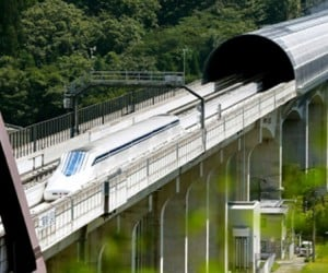 500 km/h Duck-billed Trainipus Resumes Testing in Japan