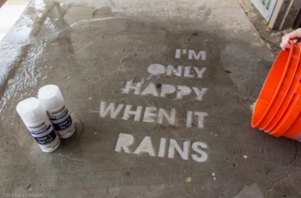 Awesome Street Art That's Only Visible When It Rains