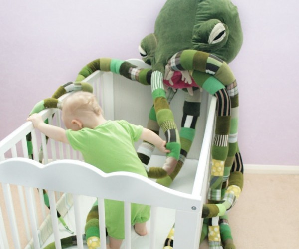 Giant Cthulhu Plush Toy: At Least It'll Keep the Boogeyman Away