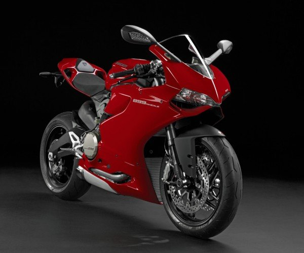 Ducati 899 Panigale Motorcycle: In the Sock-Blowing-Away Business