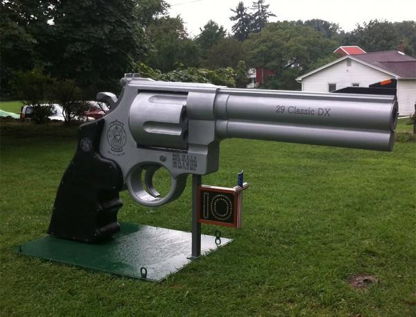 giant_gun_mailbox_2