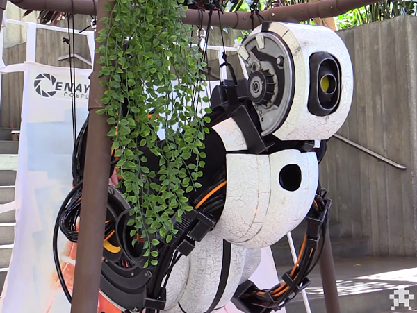 GLaDOS Cosplay is a Huge Success