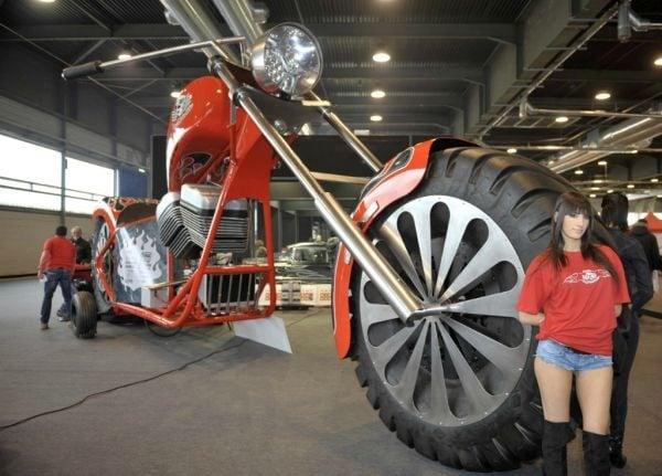 Regio Design XXL Chopper Is the World's Largest Motorcycle