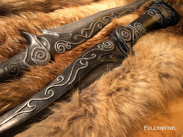 skyrim-replica-armor-and-weapons-by-folkenstal-3