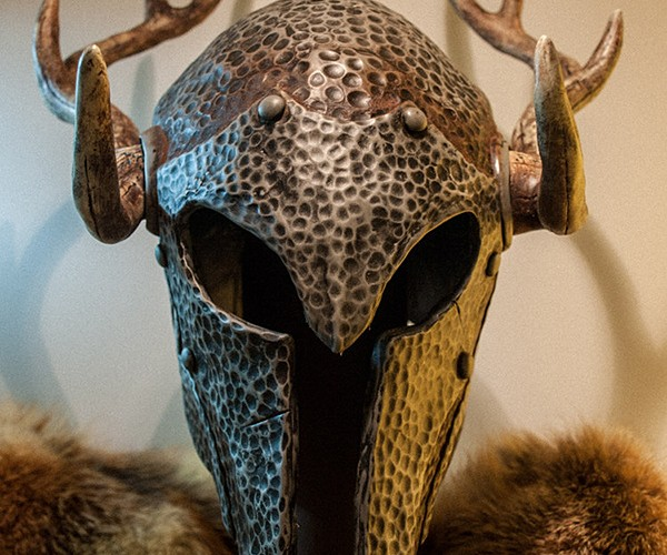 Replica Skyrim Armor & Weapons Shop: 100 in Faux Blacksmithing